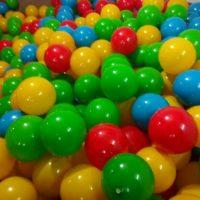 تولید و پخش توپ سوزنی و استخری