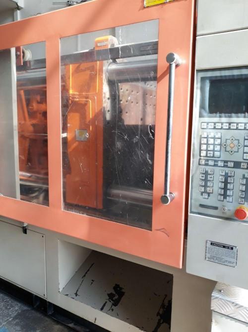 دستگاه تزریق پلاستیک ۱۶۰ تن nbm