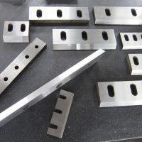 ساخت و تولید انواع تیغه های آسیاب پلاستیک و مواد معدنی